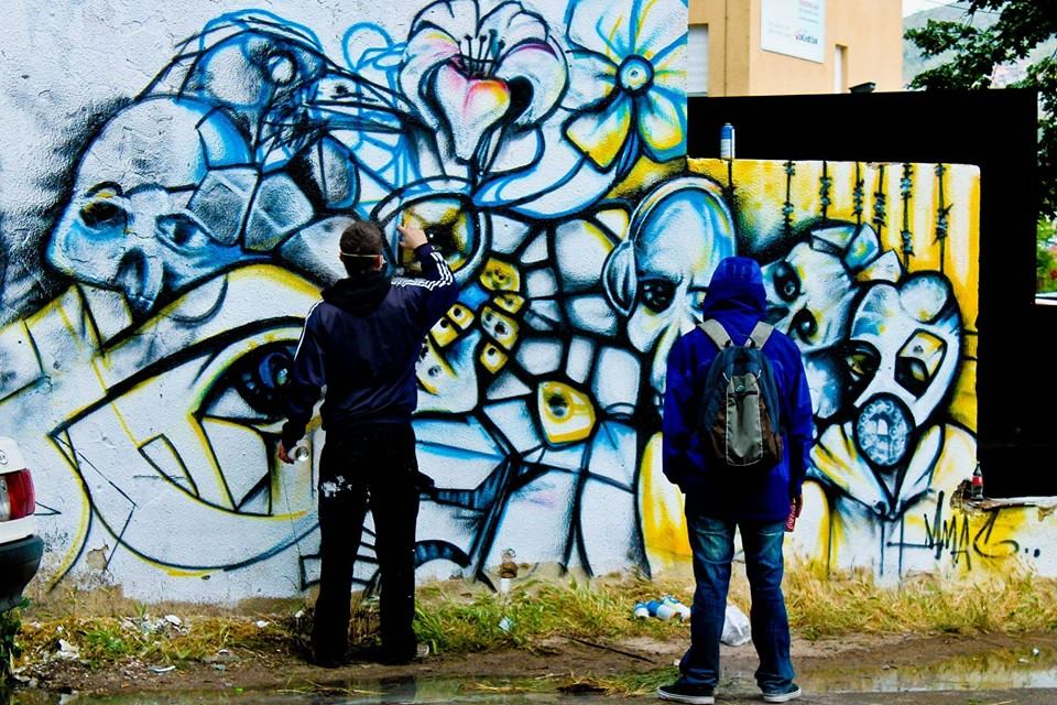 street-art-in-mostar-colorful