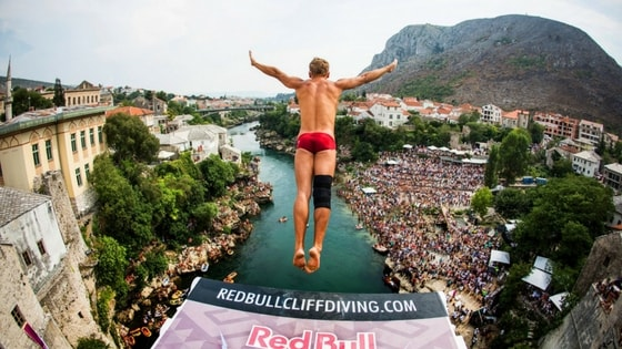 red-bull-cliff-diving-mostar-min