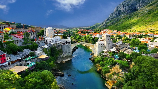 mostar-old-town-old-bridge